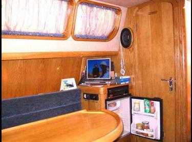 Салон парусной яхты Ольга - Yachts.ua