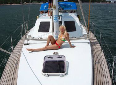 Носовая часть палубы парусной яхты Ольга - Yachts.ua