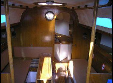 Салон парусной яхты Картер 30 - Yachts.ua