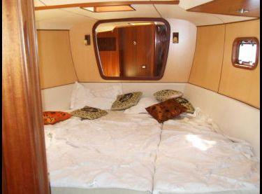 Носовая двухместная каюта на яхте Флавия - Yachts.ua