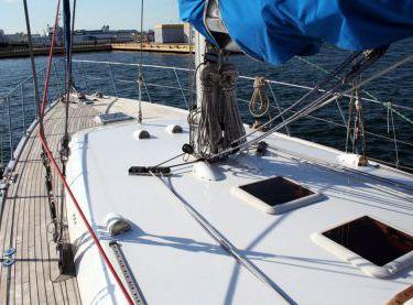 Вид на носовую часть верхней палубы яхты Флавия - Yachts.ua