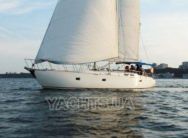 Парусная яхта Флавия под парусами - Yachts.ua