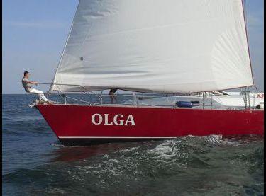 Парусная VIP яхта Ольга 18 под парусами - Yachts.ua