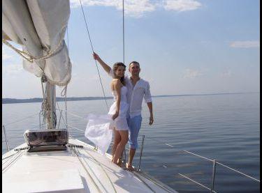 Романтическая прогулка на парусной яхте Эстра - Yachts.ua