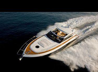Моторная яхта Принцесс v62 на глиссере - Yachts.ua