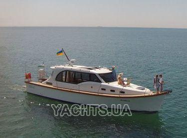 Отдых с семьей на яхте Адмирал в Одессе - Yachts.ua