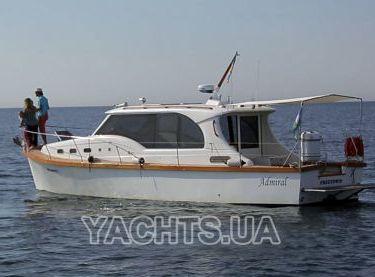Вид на яхту Адмирал с левого борта - Yachts.ua