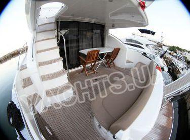 Кормовая часть моторной яхты Принцесс 50 в Одессе - Yachts.ua