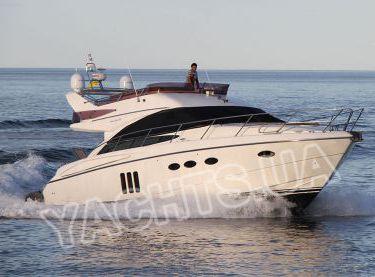 Общий вид яхты Принцесс 50 в глиссирующем режиме - Yachts.ua