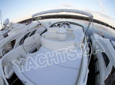 Места для загара на флайбридже яхты Азимут 46 - Yachts.ua