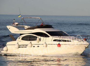 Моторная VIP яхта Azimut 46 на ходу в Одессе - Yachts.ua