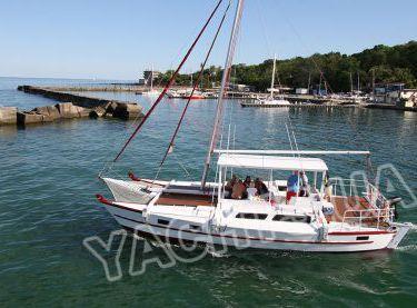 Катамаран Синдбад выходит на морскую прогулку с гостями - Yachts.ua