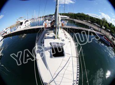 Вид с носа на палубу яхты София - Yachts.ua
