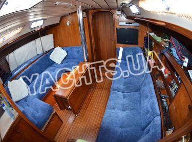 Салон парусной яхты Бенету Фёрст 38 - Yachts.ua