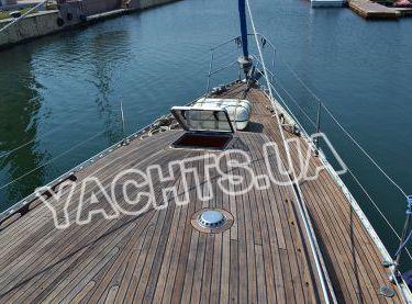 Носовая часть парусной яхты Р15 - Yachts.ua