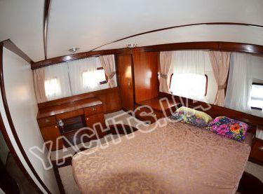 Каюта с двухспальной кроватью на яхте Роял Марис - Yachts.ua