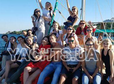 Корпоратив на яхте Контенто - Yachts.ua