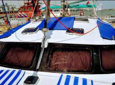 Места для загара на крыше на яхте Контенто - Yachts.ua