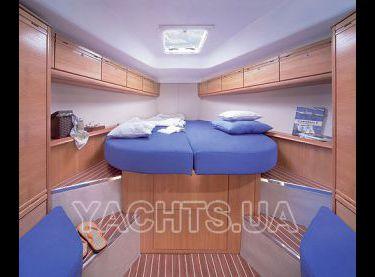 Двухместная носовая каюта на яхте Бавария 38 - Yachts.ua