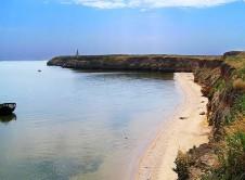 Берег и пляж на острове Березань - Yachts.ua